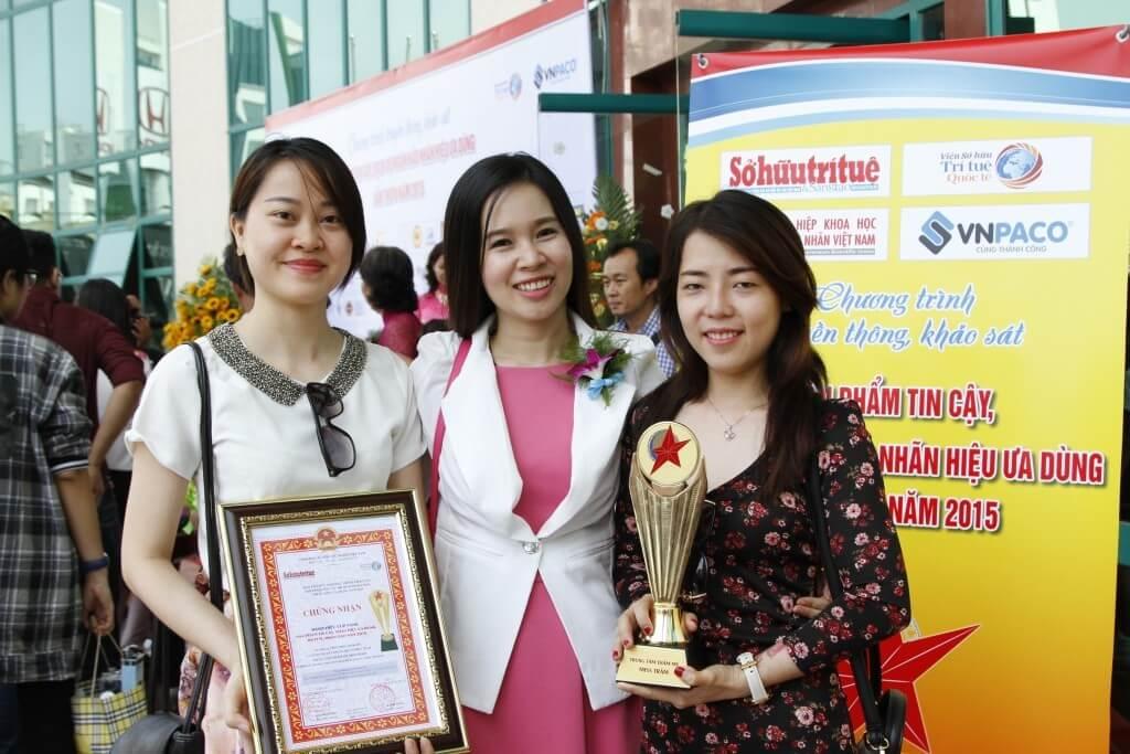 Miss Trâm vinh dự được bình chọn là thương hiệu uy tín, ưu dùng năm 2015
