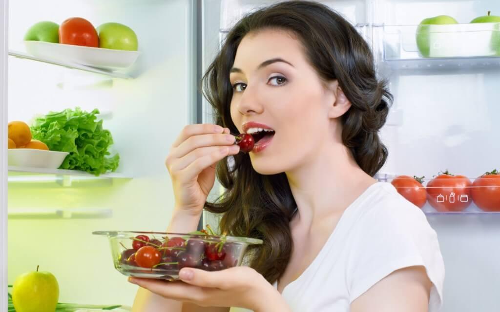 Một số thực phẩm nên kiêng sau khi phun mí mắt