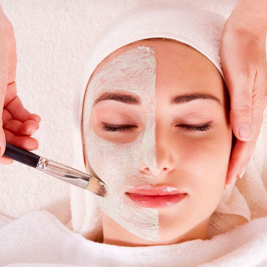 Tiết lộ 3 cách đẩy mụn ẩn dưới da lên hiệu quả 4