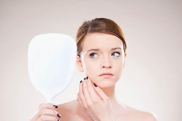 Phương pháp điều trị mụn đầu đen bằng laser mang lại kết quả cao 2