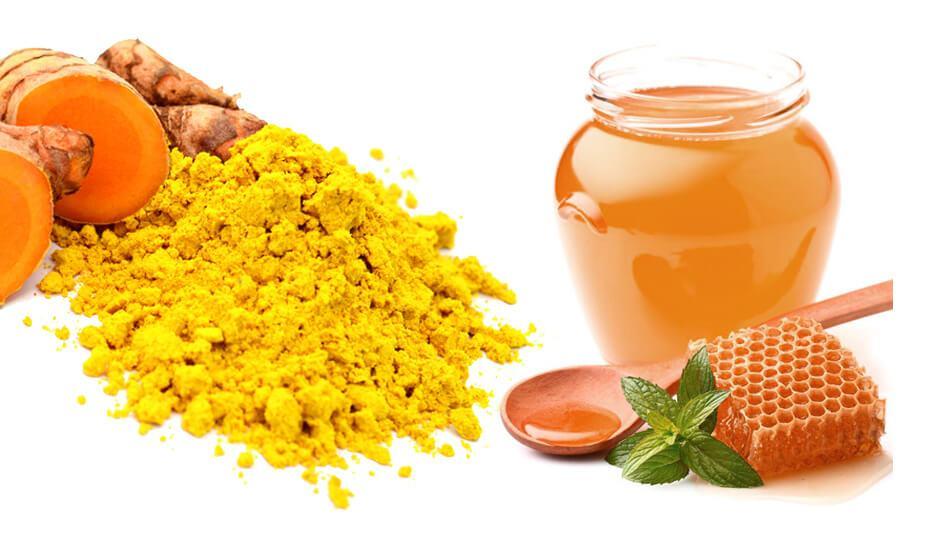 cách trị mụn bằng bột nghệ và mật ong hiệu quả