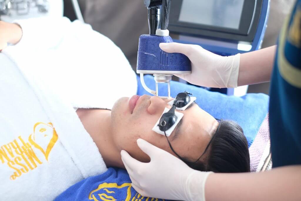 Mụn ẩn dưới da nguyên nhân và cách điều trị 6