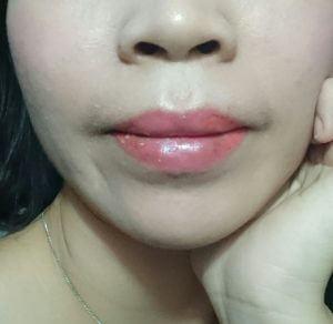 phun môi bị loang lỗ phải làm sao