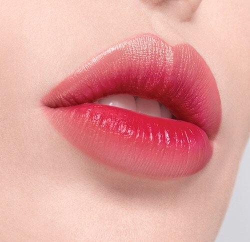 Phun môi hồng cánh sen
