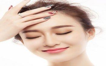 Methods of Eyebrow Spraying Particles For Natural Beauty
