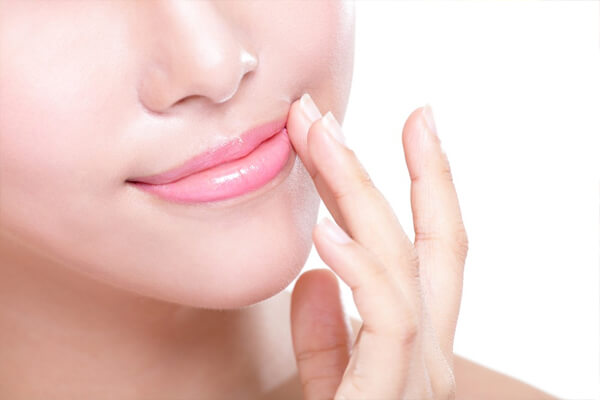Phun môi phủ bóng collagen vạn người mê tại Miss Tram Natural Beauty Centeraaaaaaaaaaaa