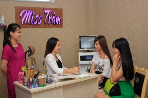 Quy Trình Phun Môi Hồng Baby Tại Miss Tram - Natural Beauty Center 3