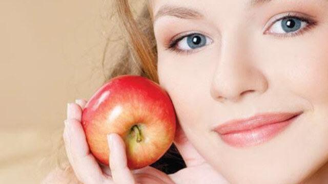 công thức mặt nạ táo trị mụn
