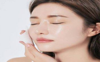 How to treat oily skin with a natural method