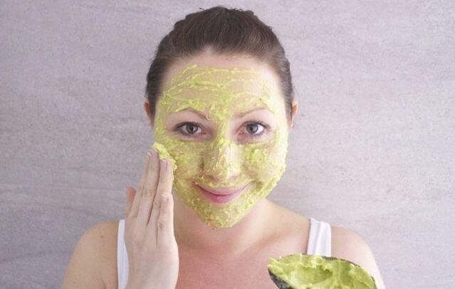 Làm đẹp da mặt với mặt nạ bơ cực kỳ hiệu quả