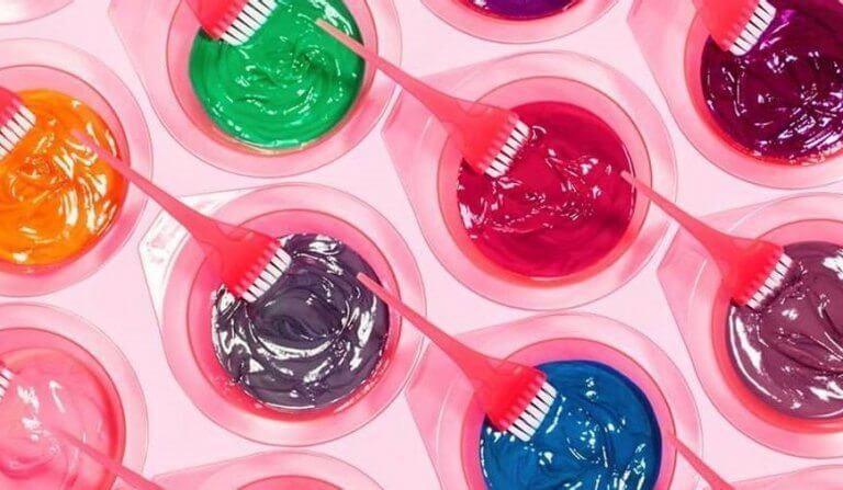 Hạn chế sử dụng các hoạt chất độc hại có trong thuốc nhuộm, sơn móng tay...