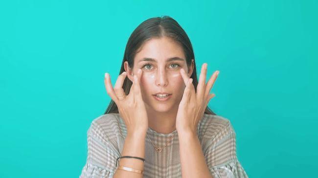 Những Động Tác Massage Mắt Giảm Nếp Nhăn 5