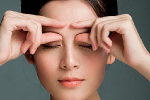 Những Động Tác Massage Mắt Giảm Nếp Nhăn 3