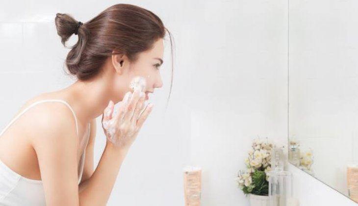 Những Sai Lầm Khi Rửa Mặt Khiến Làn Da Ngày Càng Xuống Sắc