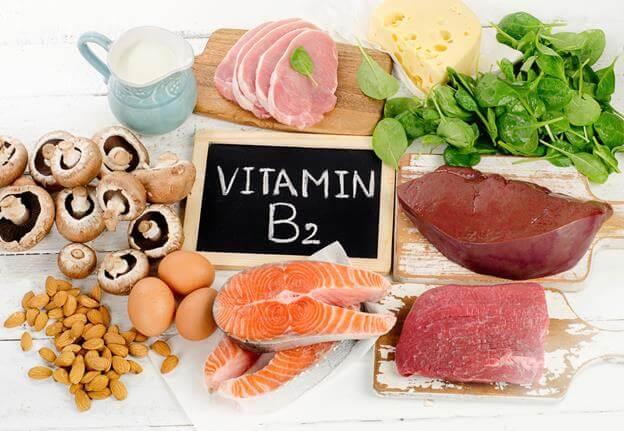 Khô Môi - Dấu Hiệu Cảnh Báo Cơ Thể Đang Thiếu Hụt Vitamin 4