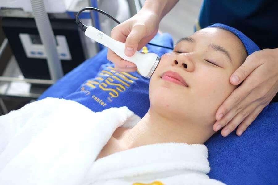 Phương pháp thải độc da hiệu quả nhất bằng ánh sáng sinh học tại Miss Trâm