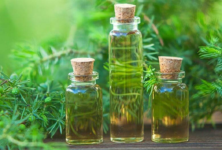 điều trị mụn với các loại tinh dầu tự nhiên