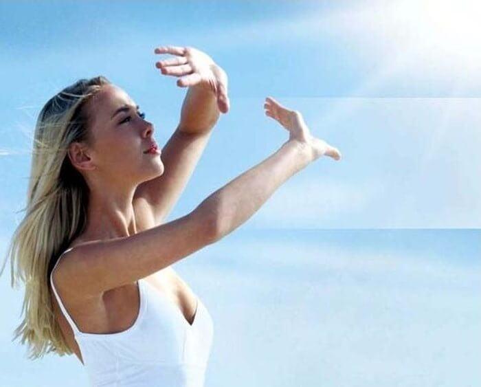 nhạy cảm với ánh nắng dấu hiệu dùng mỹ phẩm không phù hợp