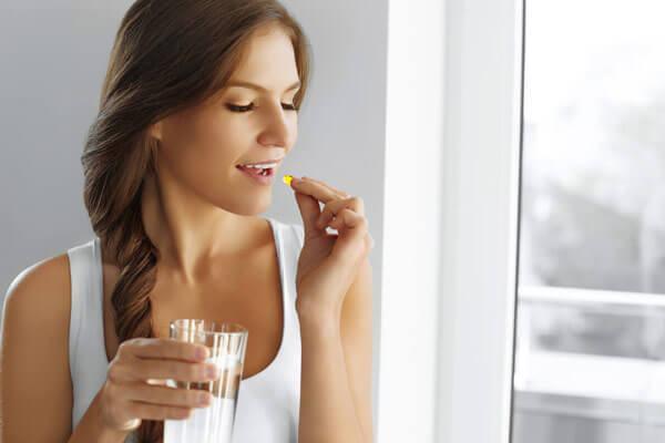 sử dụng thuốc cân bằng nội tiết tố cách điều trị nám da nội tiết hiệu quả