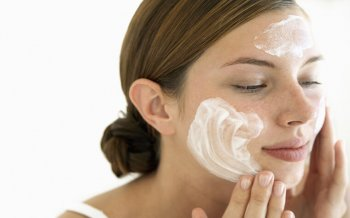 Washing Your Face Wrongly Makes Acne Treatment More Difficult