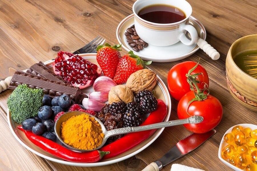 Dưỡng mi bằng chế độ ăn uống lành mạnh