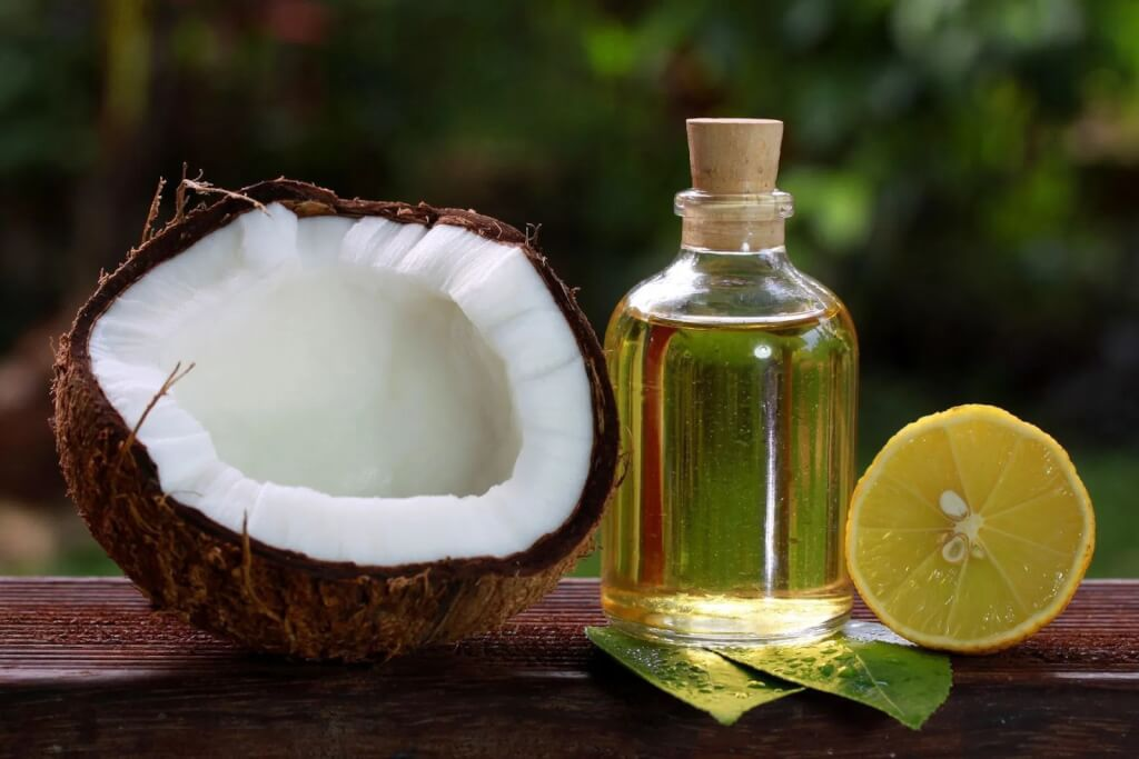 Xóa tàn nhang với dầu dừa và chanh