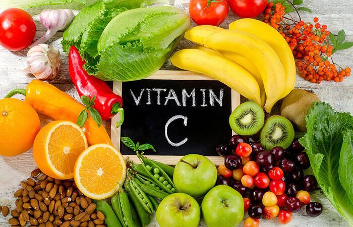 vitamin c là một trong những vitamin cần thiết nhất cho da mụn