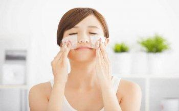Instructions for Using Effective Blotting Paper For Oily Skin