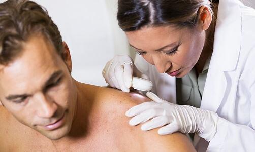chọn kem dưỡng da cho nam giới