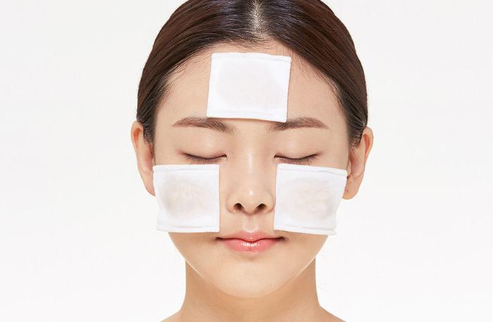 Sử dụng mặt nạ dưỡng da