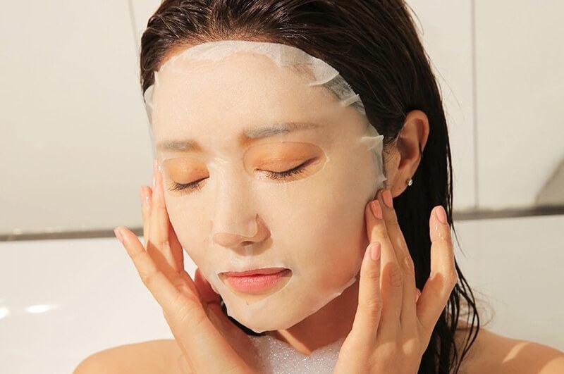 Không đắp mặt nạ lúc đang tắm