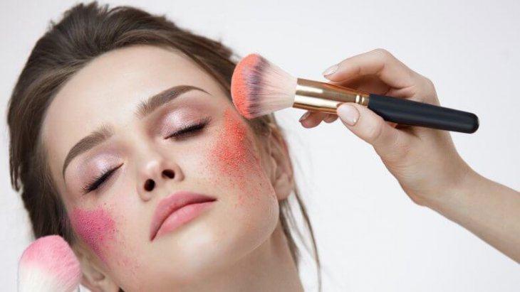 Sai Lầm Cần Tránh Khi Make Up Để Không Làm Nàng Trông Già Đi