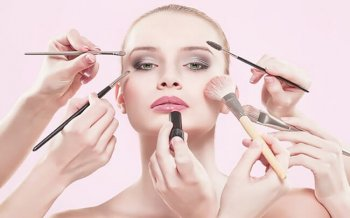 7 Thói Quen Makeup Khiến Da Nhanh Lão Hóa