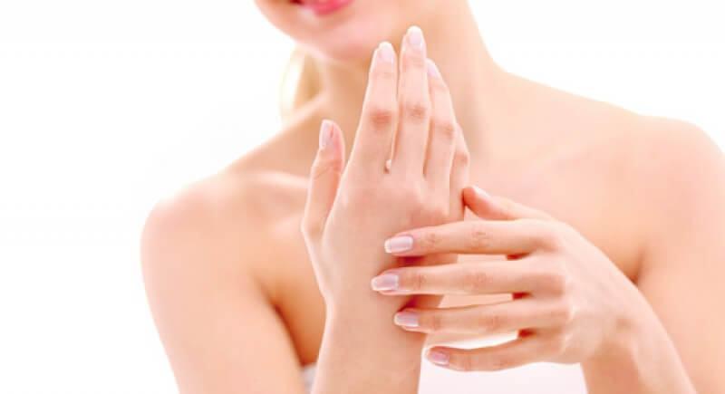 cách chăm sóc da tay trước khi cưới