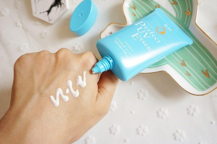 Review Tinh Chất Chống Nắng Senka Perfect UV Essence