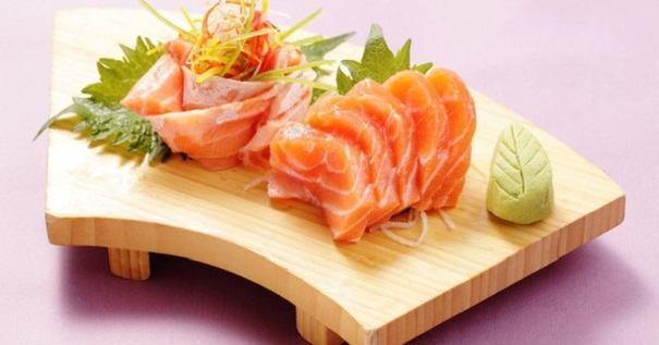 Ăn cá hồi để có làn da mịn màng hơn